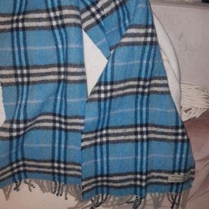 Burberry blue lambswool scarf
